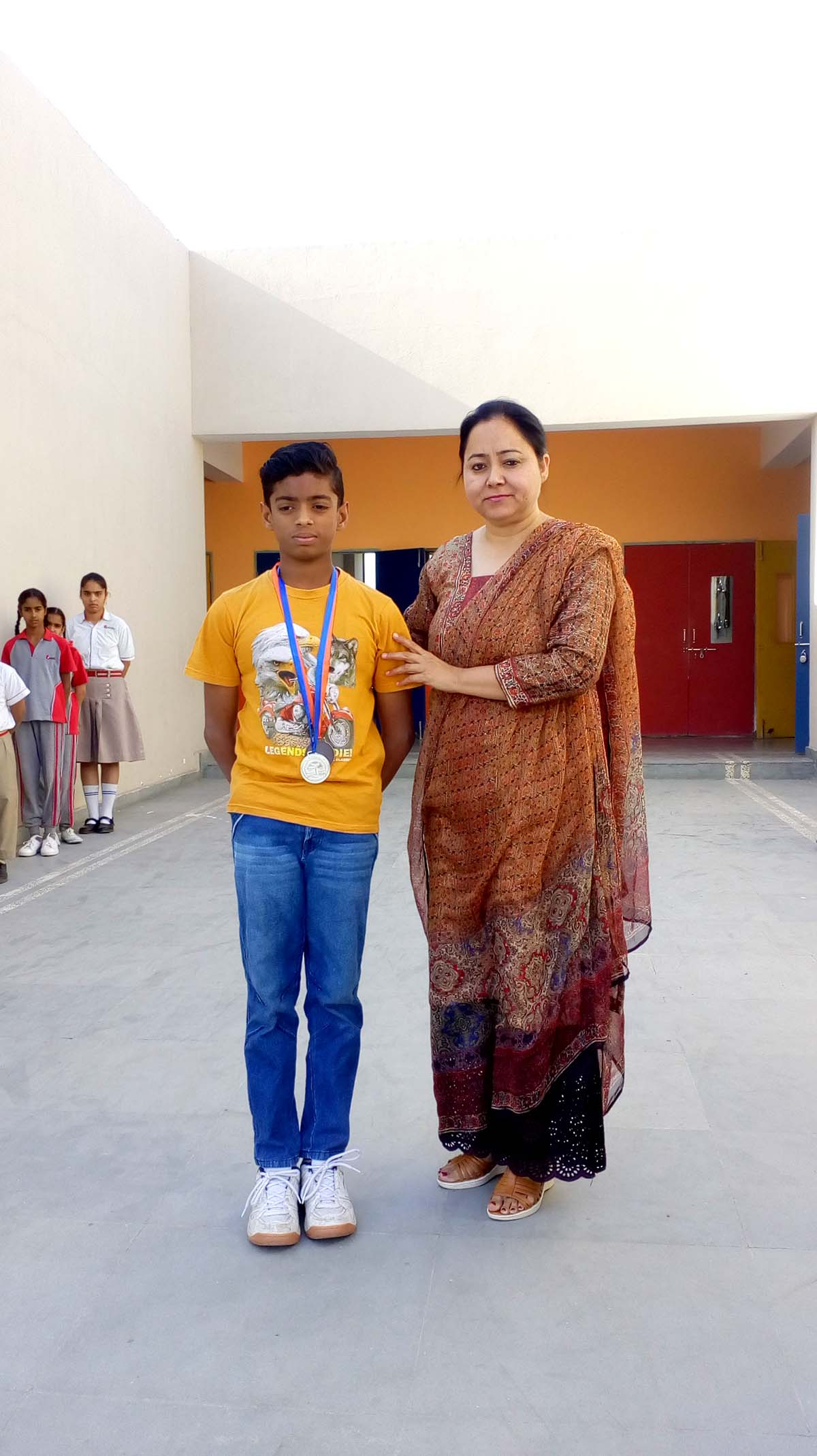 Student got silver and bronze medal in gymnastic
